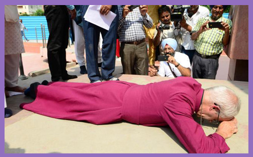 Archbishop Welby Amritsar prostrate